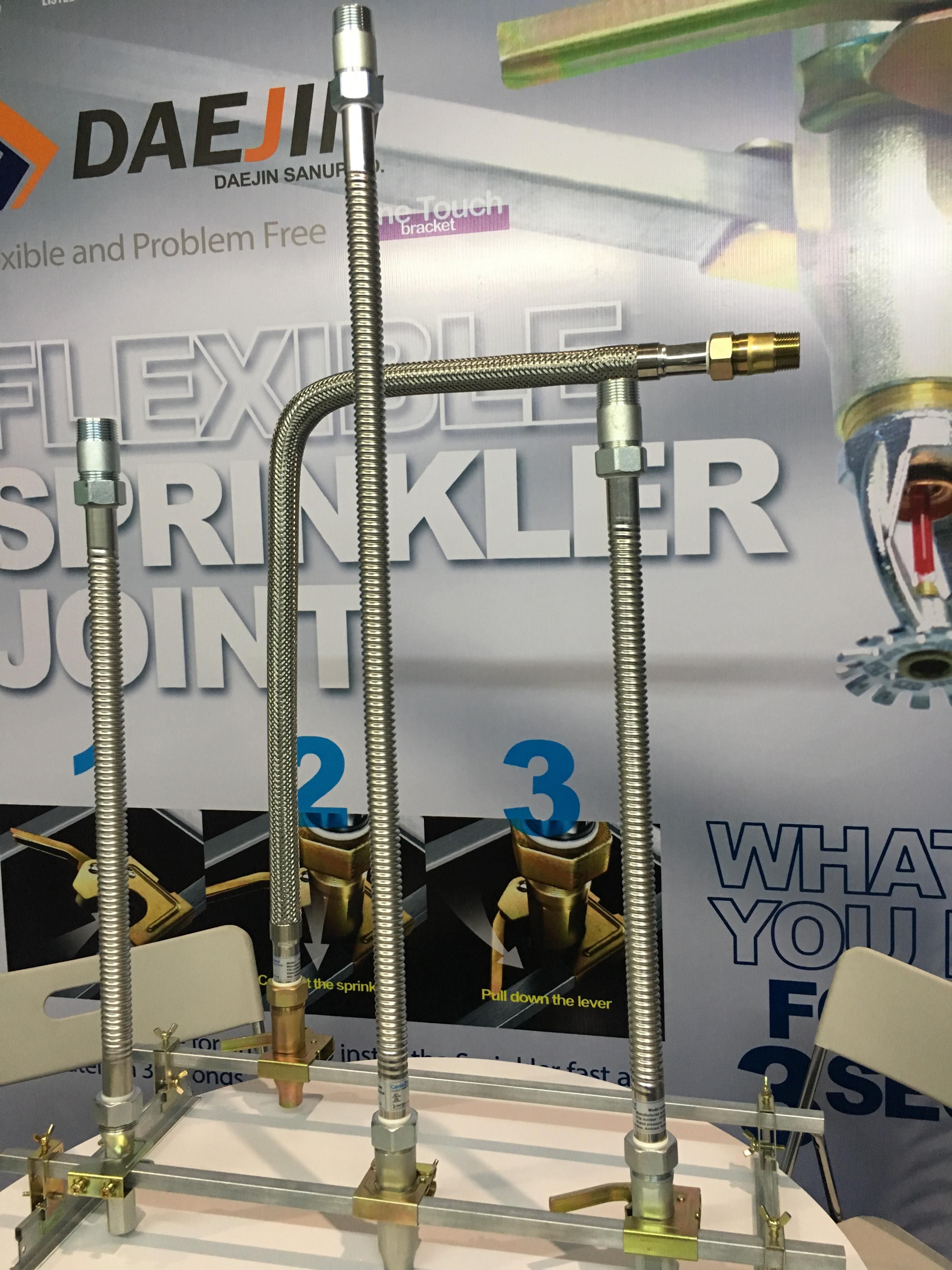 Đặc điểm ống mềm nối đầu phun sprinkler : DJ25UB-700