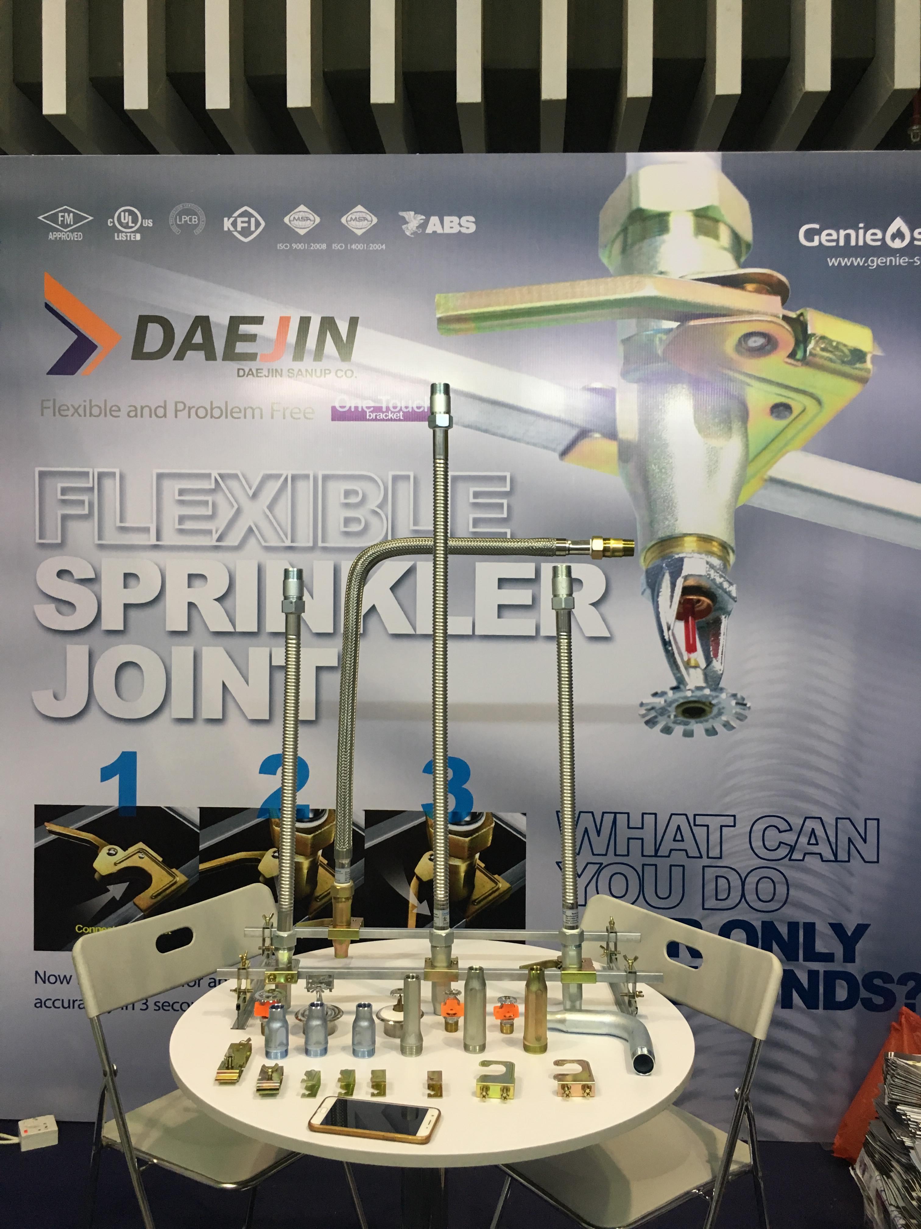 Dây mềm Daejin D25 nối sprinkler D20, 700mm áp lực 175psi UL